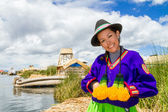 Indian woman in Peru at lake Titicaca — Stock Photo