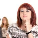 在办公室的年轻忧郁女人肖像 — 图库照片