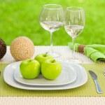 dieet concept. een plaat geserveerd met appels — Stockfoto