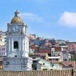 Quito old town historic center view, Ecuador. — Stock Photo