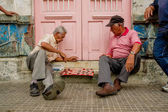 Two  men playing checkers — Stock Photo