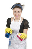 年轻漂亮的家庭主妇清洗 — 图库照片