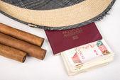 Cuban cigar and hat — Stock Photo