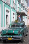 Old retro american car on street in Havana Cuba — Stock Photo