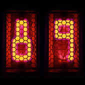 The Nixie tube indicator of the numbers of retro style. Indicator glow with a magical purple fringing. Digit 8, 9 — Stock Photo