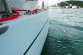 Yacht im offenen meer — Stockfoto