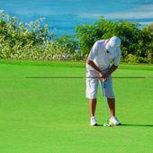 Club de golf. hombre jugando al golf — Foto de Stock