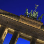 Berlin - Brandenburger Tor - Quadriga at blue hour — Stock Photo #29873373