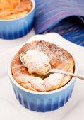 手工制作的美味甜蛋糕 — 图库照片