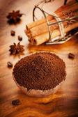 Gemalen koffie en specerijen — Stockfoto