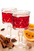 Two glasses of mulled wine and spices — Foto de Stock