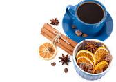 Eine tasse tee mit süßigkeiten — Stockfoto