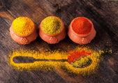 специи карри, перцем и кориандром — Стоковое фото