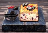 Domowe ciasto z jagód porzeczki. glutenu. dieta paleo — Zdjęcie stockowe