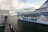 HELSINKI, FINLAND-SEPTEMBER 27: The ferry Silja Line is moored at the mooring in the city of Helsinki — Stock Photo