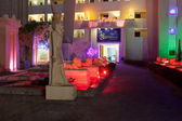 HURGHADA, EGYPT-DEKABR 20: night view of the sfinks hotel territ — Stock Photo