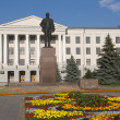 Monument of Lenin on the Lenin Square in Pskov, Russia — Stock Photo