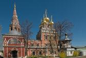 La iglesia de la resurrección en kadashi sloboda es un importante naryshkin — Foto de Stock