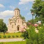 Spaso-Andronikov monastery. Spasskiy cathedral 15 the century — Stock Photo #27154461