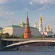 Moscow Kremlin and Moscow river — Stock Photo