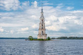 Russia, Kaljazin. Flooded Belfry was submerged under the reservo — Stock Photo