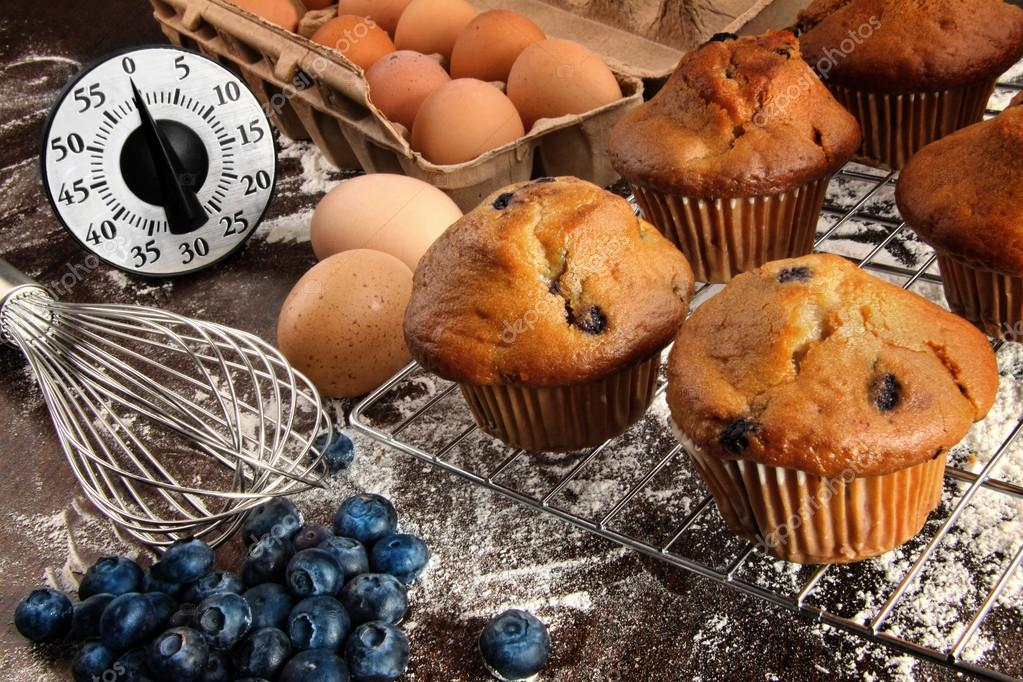 Homemade blueberry muffins from oven — Stock Photo #13803469