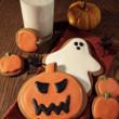 Freshly baked cookies for Halloween fun — Stock Photo