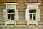 房子 windows — 图库照片