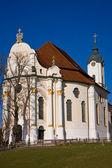 Kościół pielgrzymkowy w wies sanktuarium — Zdjęcie stockowe