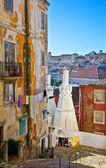 在里斯本的旧街 — 图库照片
