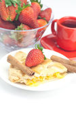 Piece of apple pie, cinnamon, a cup of tea and strawberries isol — Stock Photo