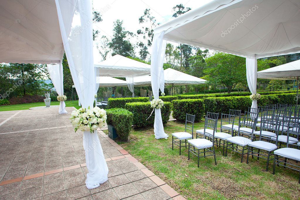 Fort canning marquee wedding