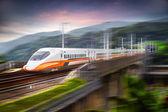 Tren moderno a exceso de velocidad — Foto de Stock