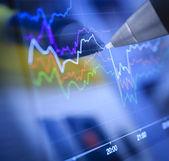 Zakelijke grafieken en markten — Stockfoto