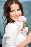 Happy and smiling woman — Stockfoto