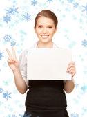 Adolescente feliz con el tablero en blanco — Foto de Stock