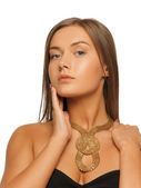 Bella donna con collana — Foto Stock