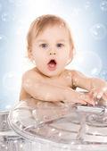 Bebé en lata — Foto de Stock