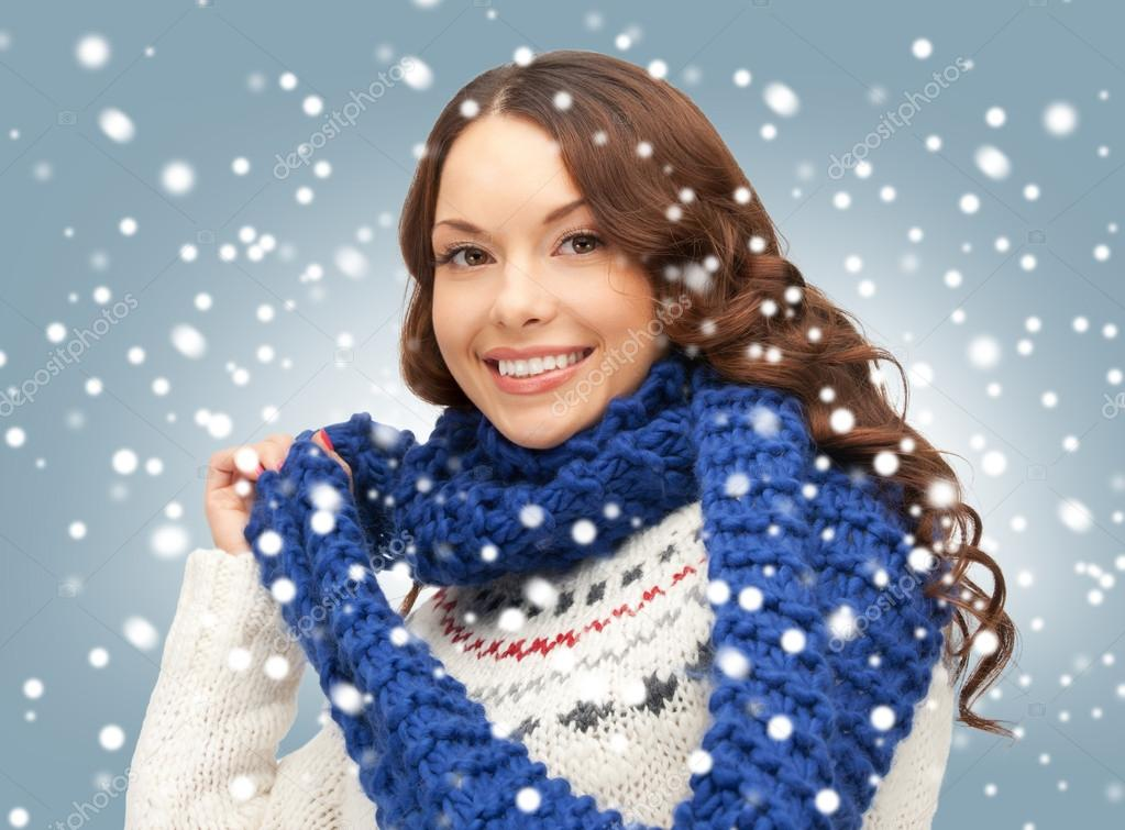 Bright picture of beautiful woman in muffler — Stock Photo #15917705