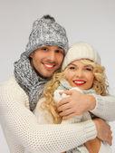 Familia par en una ropa de invierno — Foto de Stock