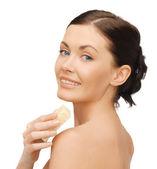 Sabun ile kadın — Stok fotoğraf