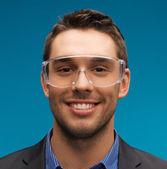 Empresário em óculos de proteção — Foto Stock
