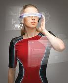 Mujer con gafas futuristas — Foto de Stock