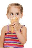 Litle girl con gelato — Foto Stock