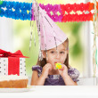 Litle girl with birthday cake — Stock Photo