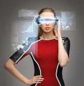 Kobieta z futurystyczne okulary — Zdjęcie stockowe