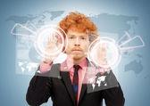 仮想画面に触れる実業家 — ストック写真