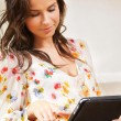 Woman with tablet pc — Stockfoto