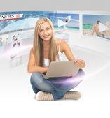 Mulher com tablet pc — Foto Stock