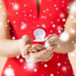 Woman showing wedding ring — Stock Photo